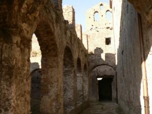 monastero dei minimi(in rovina)-il chiostro