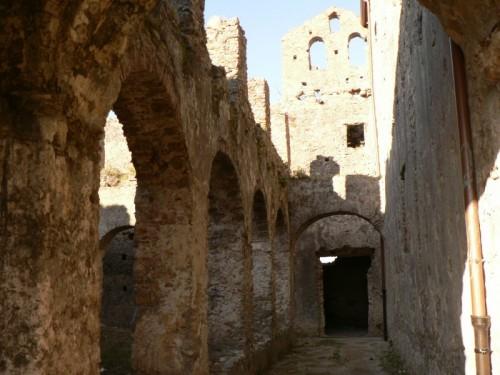 Diamante - monastero dei minimi(in rovina)-il chiostro