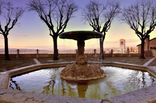 Assisi - Fontana di Santa Chiara