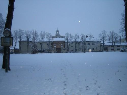 Certosa di Pavia - neve sul monumento di Certosa di Pavia - Novembre 2008