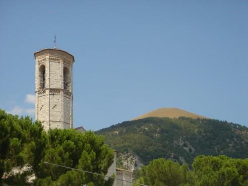 Gubbio - a gubbio anche i monti hanno la chierica