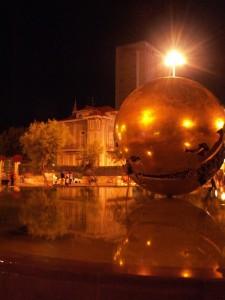 La palla di Pomodoro di Pesaro