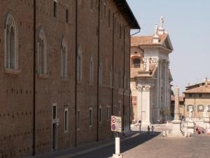 Vista del Duomo di Urbino
