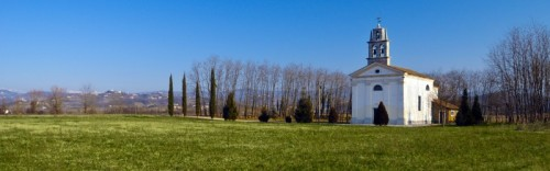 Capriva del Friuli - Chiesetta del Preval