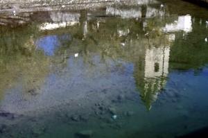Il campanile di Dolceacqua..riflesso nell'acqua