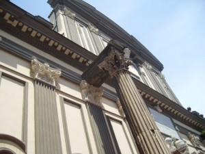 San Paolo Maggiore - Particolare  colonna corinzia