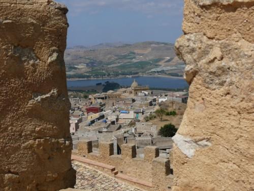Naro - la chiesa vista dal castello