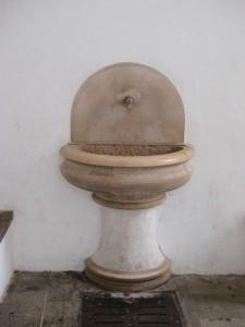 Fontana in convento S.Francesco di Paola
