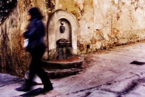 """Castelfiorentino - La fontanina del """"vicolo"""""""