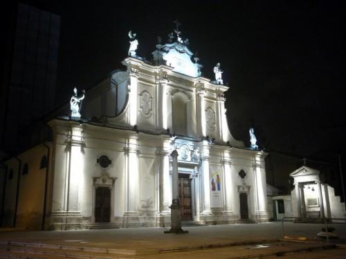 Cinisello Balsamo - notturna chiesa parrocchiale Sant'Ambrogio