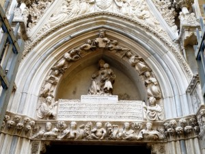 Cappella Pappacoda, particolare del portale di Baboccio da Piperno, 1415