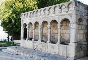 figure alla Fontana Fraterna