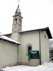 chiesa con presepe esterno a Landris