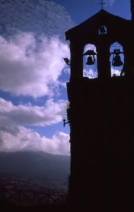 Campanile della chiesa di S.Apollinare di Petrella Guidi
