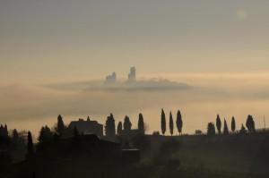 La nebbia al campanile