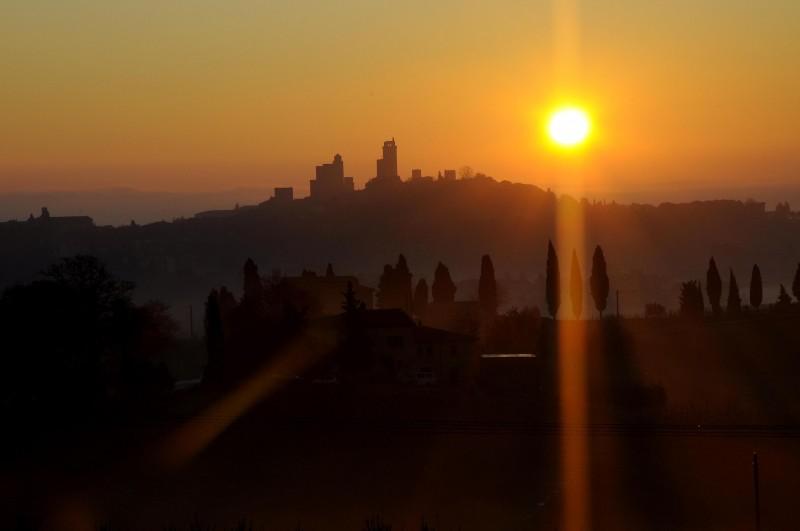 ''Alba al duomo'' - San Gimignano