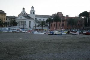 la chiesa sulla spiaggia