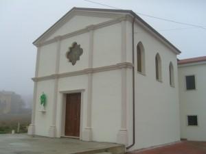 Chiesa di S. Pietro in un  giorno di nebbia