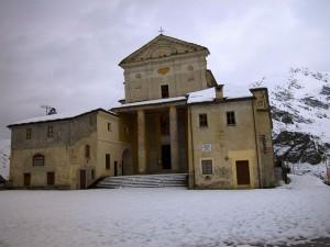 Santuario di Castelmagno in autunno