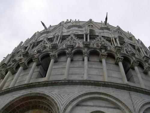 Pisa - I rilievi del Battistero