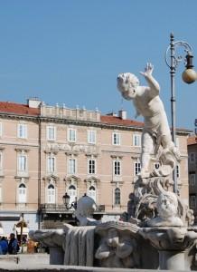 Il putto in fuga (fontana di piazza Ponterosso)