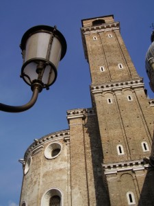 Il lampione e… il campanile