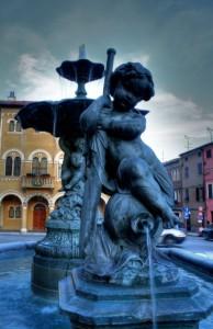 Fontana di piazza perticari