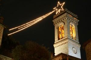 Campanile di Corciano a Natale