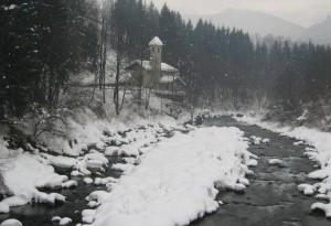 Chiesa intitolata a San Vigilio sulla riva del fiume Sarca nei pressi di Tione di Trento