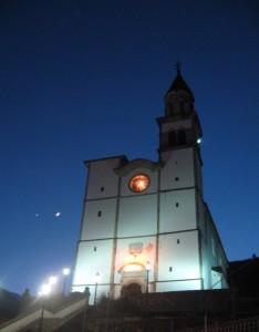 Chiesa di Sutrio,  all'imbrunire
