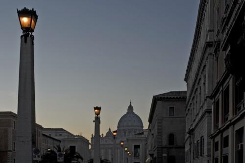 Roma - Lampioni del Concilio