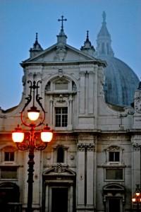 Facciata della Santa Casa di Loreto all'imbrunire