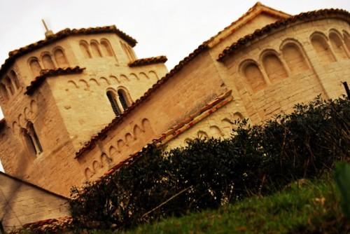 Ancona - Santa Maria in Portonovo vista dal basso