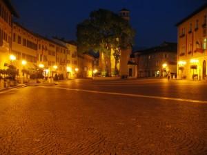 La maestosità del sacro…. chiesa sulla piazza principale - Borgo valsugana - Trentino