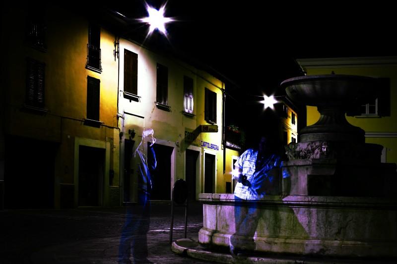 ''Fantasmi che si fotografano nei pressi di una fontana'' - Gardone Val Trompia