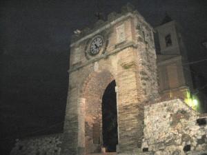 Arco  chiesa  e la dura salita