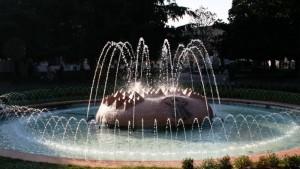 incontro di luci e acqua