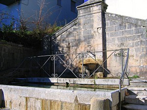 Fontana N°3