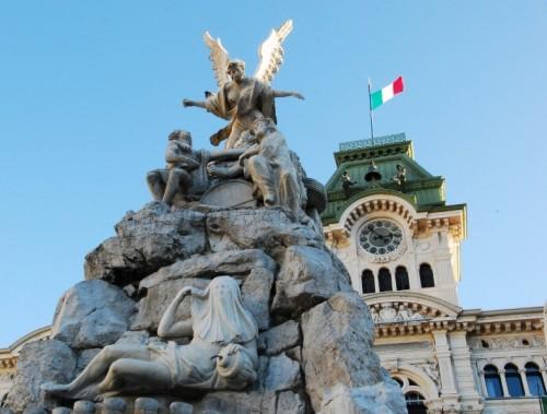 Trieste - I Quattro Continenti e .. Mikez e Jakez