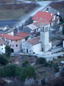 chiesa dall'alto (mena)