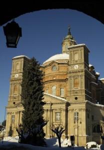 Santuario di VICOFORTE tra gli archi e la neve