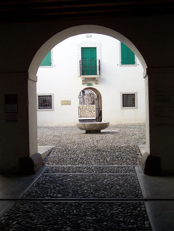 ''fontana della posta'' - Venzone