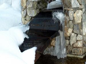 anche la Lavatrice ha un suo monumento fontana