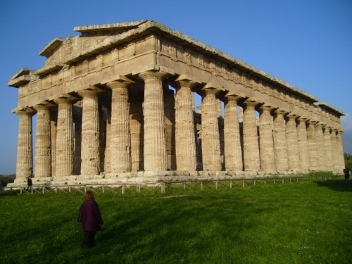 Capaccio - sindrome di stendhal davanti al tempio di Nettuno