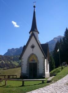 La chiesetta dell'Alpe Vederna