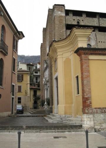 Salò - il Duomo e il vicolo