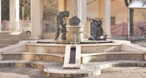 Fontana del tortellino - dedicato alle rezdore