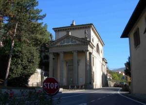 Obbligo di fermata all'oratorio di S.Onofrio