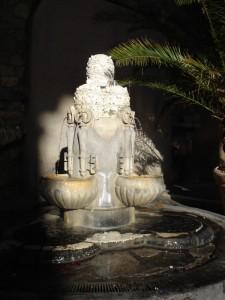 Fontana vicina alla Piazza del Vaticano.