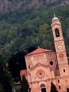 Chiesa di San Lorenzo dal battello Tremezzo